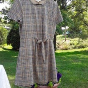 Cute plaid XXL dress with faux tie